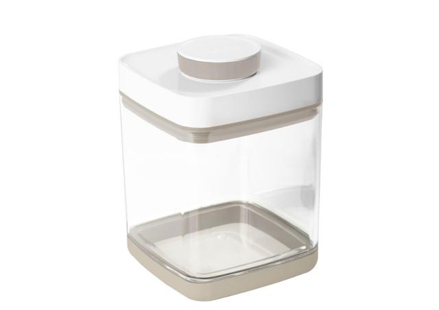プラスチックの食品保存容器(真空容器)は店舗での利用にもおすすめ